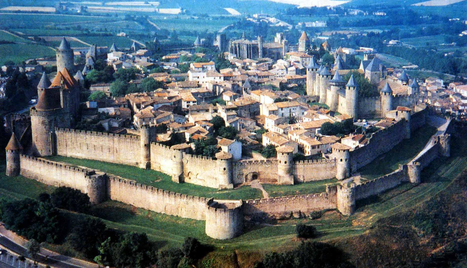 歴史的城塞都市カルカソンヌの画像 p1_40
